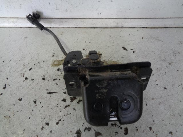 2002 - 2006 KIA SORENTO TAILGATE / BOOT DOOR LOCK MECHANISM LATCH
