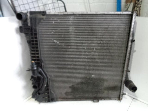 2000 - 2006 BMW X5 E53 3.0D AUTO ENGINE COOLING RADIATOR 1710224872412