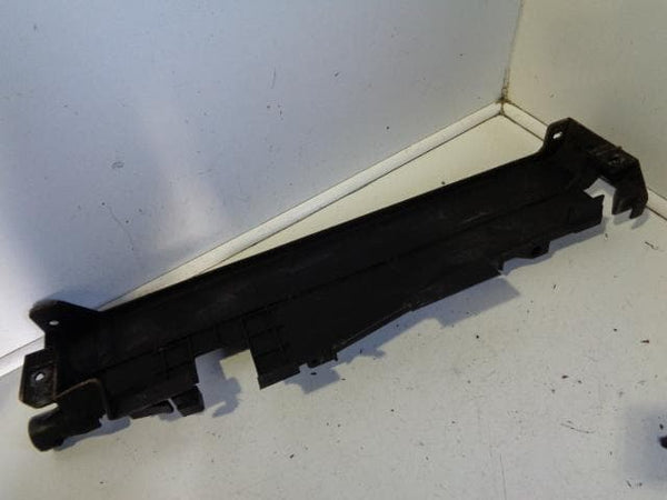 2006 - 2009 RANGE ROVER L322 TDV8 OFF SIDE RADIATOR SUPPORT BRACKET