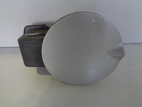 2002 - 2007 JEEP CHEROKEE KJ FUEL FILLER FLAP IN BRIGHT METALLIC SILVER