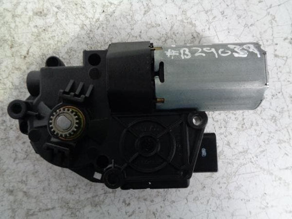Freelander 2 Sunroof Motor 10006326 G Land Rover (2006-2015) #B29039