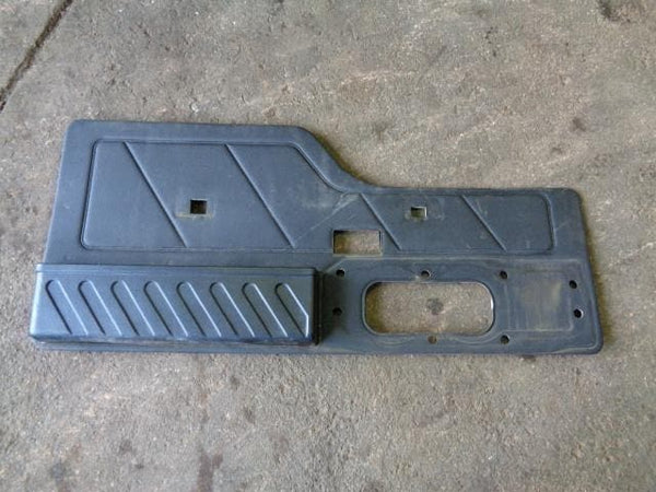 1998 - 2004 LAND ROVER DISCOVERY 2 TD5 & V8 TAILGATE DOOR CARD IN BLACK