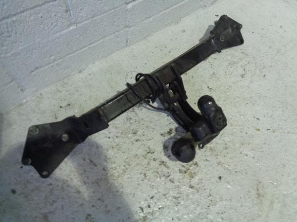BMW X5 Tow Bar E53 Swan Neck 2001 to 2006 Sport with Single Electrics P08011