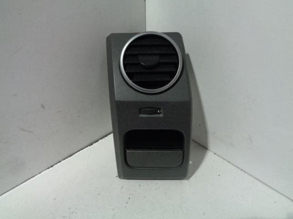 Discovery 3 Air Vent Near Side Passenger Non-Cupholder Land Rover (04-09) #19118