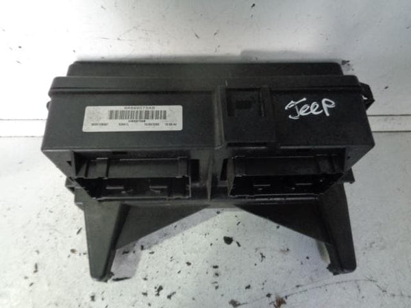 2005 - 2010 JEEP GRAND CHEROKEE WK 3.0 CRD ENGINE BAY FUSE BOX 04692073AB