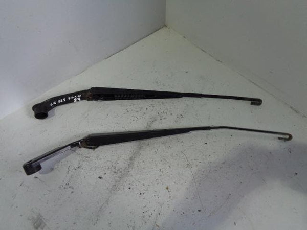 Mitsubishi Shogun Wiper Arms Pair Of Mk4 2006 to 2018