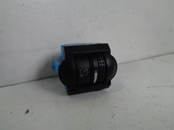 2002 - 2007 VOLKSWAGEN TOUAREG 7L INSTRUMENT LIGHTING CONTROL SWITCH