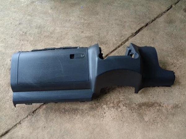2002 - 07 VOLKSWAGEN TOUAREG 7L LOWER DASHBOARD / GLOVE BOX 7L685890475R #04108