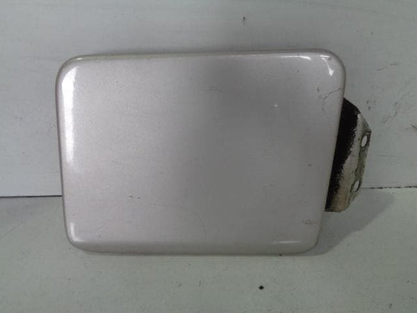 1998 - 2004 LAND ROVER DISCOVERY 2 TD5 & V8 FUEL FLAP IN BLENHEIM SILVER 642/MAL
