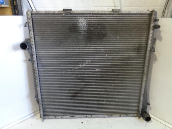 2000 - 2006 BMW X5 E53 4.4i V8 AUTO ENGINE COOLING RADIATOR
