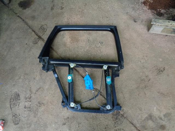 2002 - 2007 VOLKSWAGEN TOUAREG 7L OFF SIDE REAR WINDOW REGULATOR FRAME #04108