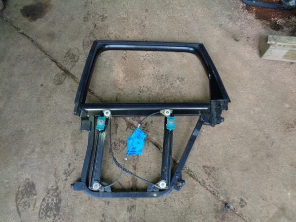 02 - 07 VOLKSWAGEN TOUAREG 7L NEAR SIDE REAR WINDOW REGULATOR FRAME #04108