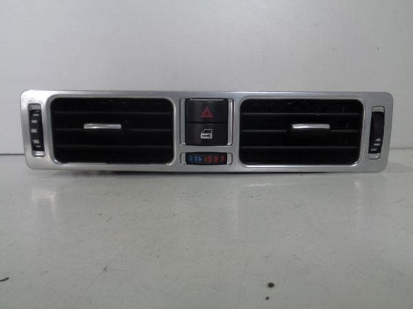 Range Rover L322 Dashboard Centre Air Vent with Hazard and  JBD500240 XXX