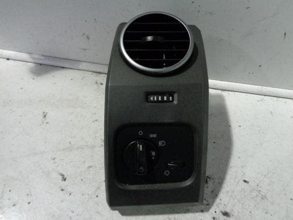 LAND ROVER DISCOVERY 3 OFF SIDE DRIVERS  AIR VENT AUTO LIGHT XXX