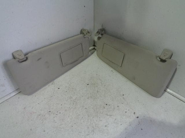 LAND ROVER FREELANDER 2 PAIR OF FRONT SUN VISORS WITH MIRRORS XXX