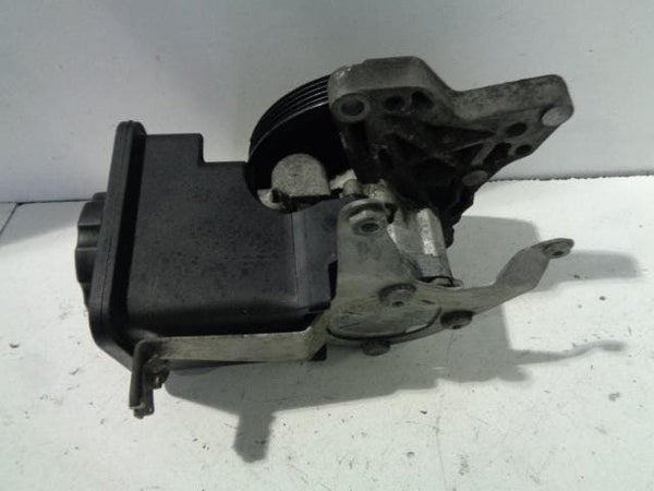 BMW X5 Power Steering Pump and Reservoir 3.0d E53 (2004-2006) #B04128