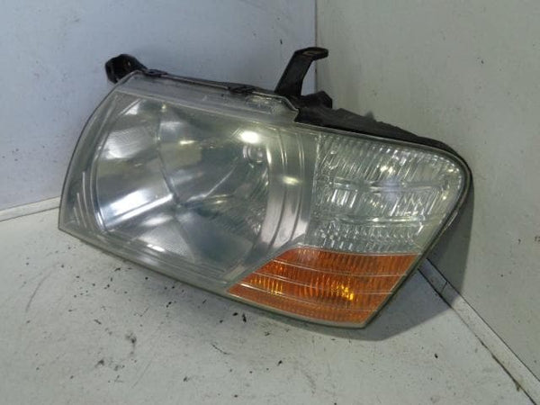 2003 - 2007 MITSUBISHI SHOGUN MK3 NEAR SIDE HEADLIGHT HEAD LAMP FACELIFT