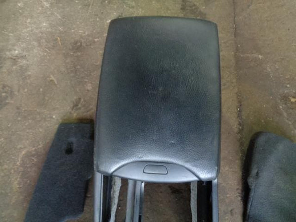 01-06 BMW X5 E53 CENTRE CONSOLE WITH BLACK LEATHER ARM REST & REAR CUP HOLDERS