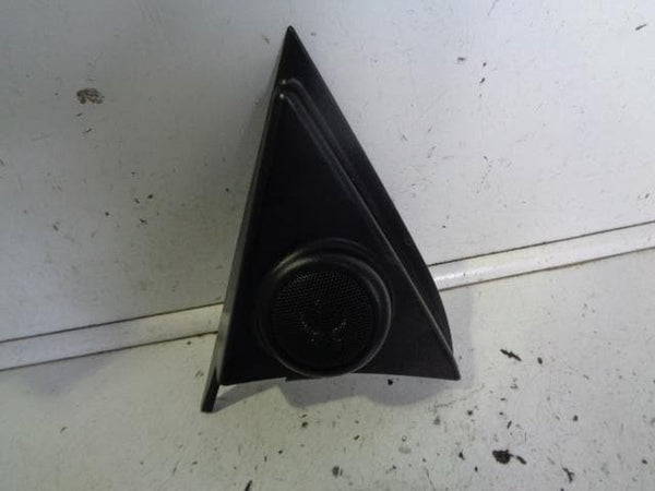 2006 - 2009 KIA SORENTO NEAR SIDE FRONT TWEETER SPEAKER AND PANEL 95350-3E000