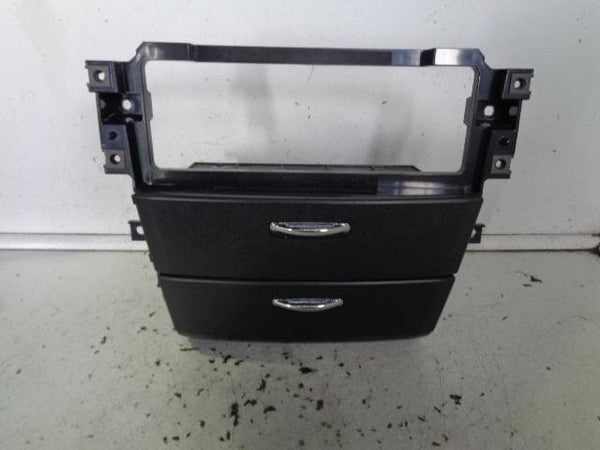 2006 - 2009 KIA SORENTO CENTRE CONSOLE ASHTRAY AND STORAGE IN BLACK CHROME TRIM