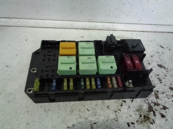 Range Rover L322 Fuse Box Rear Boot YQE000351 TD6 and V8 (2002-2006) XXX