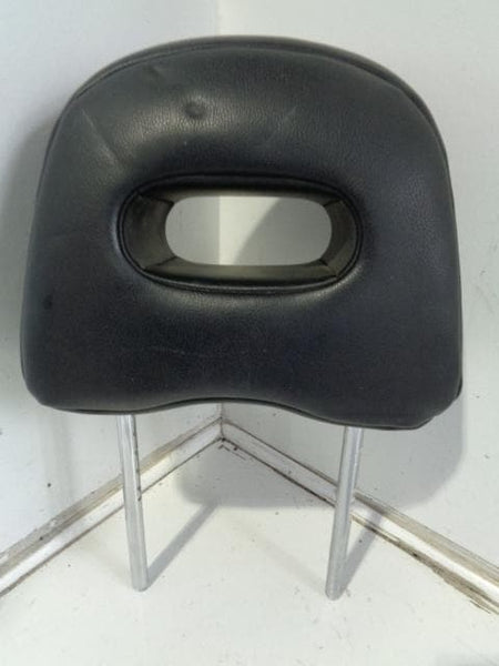 2001 - 2007 NISSAN X-TRAIL T30 OFF SIDE OR NEAR SIDE FRONT HEADREST IN LEATHER XXX