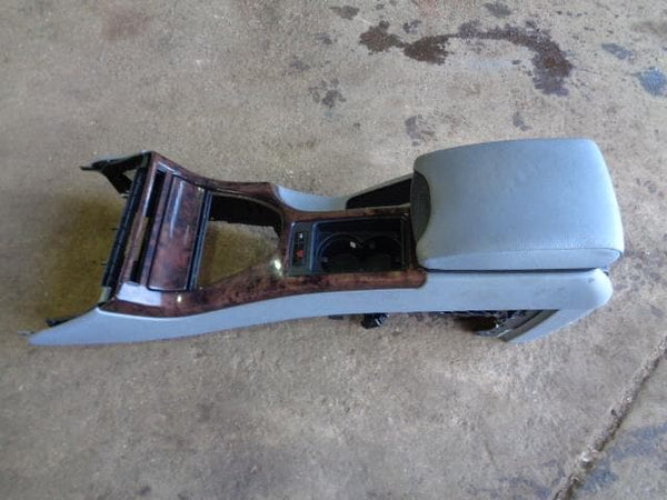 2001 - 2006 BMW X5 E53 CENTRE CONSOLE WITH GREY LEATHER ARM REST WOOD TRIM #2603