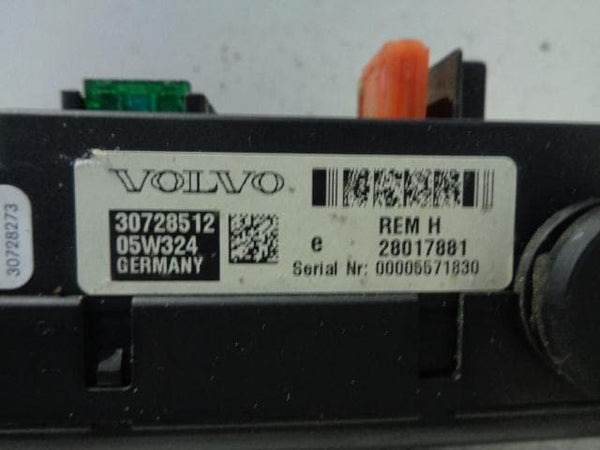 2003 - 2007 VOLVO XC70 REAR FUSE BOX 30728512