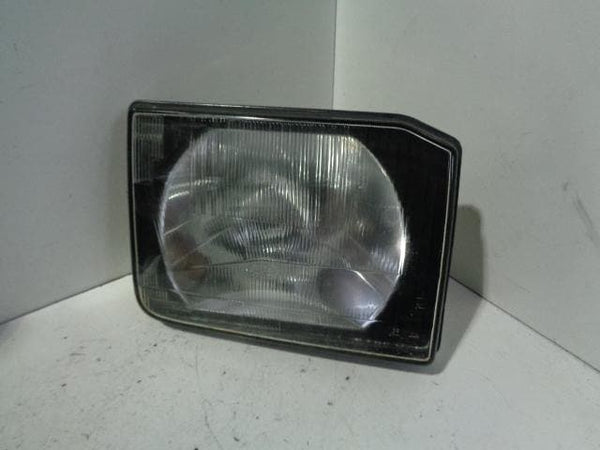 Discovery 2 Headlight Lamp Off Side TD5 or V8 O/S (1998-2002) Land Rover XXX