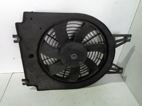2002 - 2006 KIA SORENTO 2.5 CRDI AIR CONDITIONING FAN / AIR CON PUSHER FAN #2610