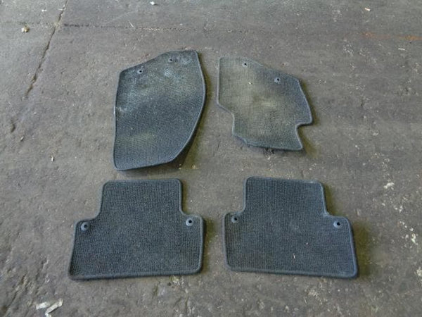 2003 - 2007 VOLVO XC70 SET OF 4 GENUINE FLOOR MATS IN BLACK #0501