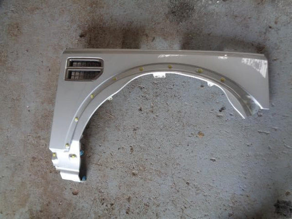 2004 - 2009 LAND ROVER DISCOVERY 3 OFF SIDE WING IN ZERMATT SILVER 798 O/S #1106