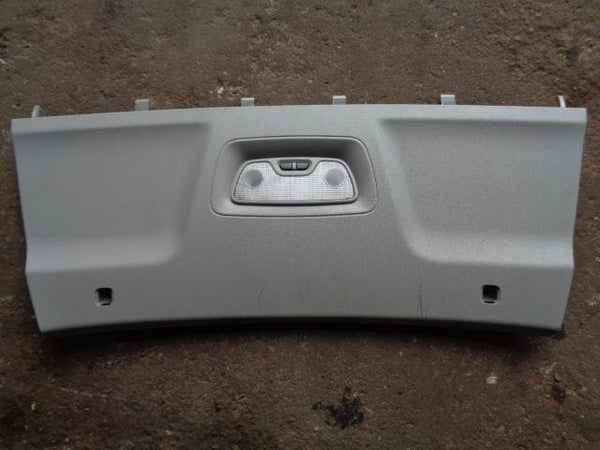 2002 - 2006 VOLVO XC90 INTERIOR LIGHT WITH SURROUND FOR THIRD ROW #2208