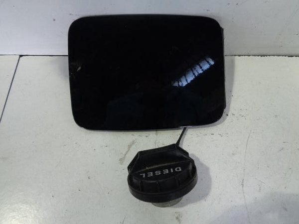2003 - 2009 KIA SORENTO FUEL FLAP AND CAP IN EBONY BLACK #26108