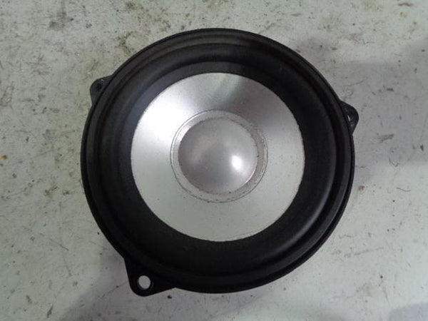 Discovery 3 Harman Kardon Mid Range Door Speaker XQM000400 Near Side XXX