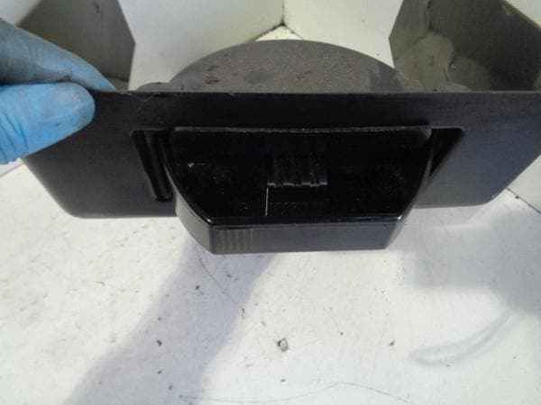 Discovery 2 Centre Console Ashtray Rear Land Rover (1998-2004) #P18039