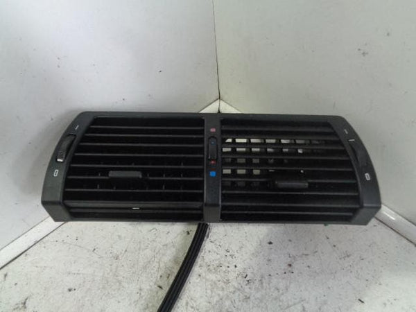 2000 - 2006 BMW X5 E53 DASHBOARD CENTRE AIR VENTS IN BLACK