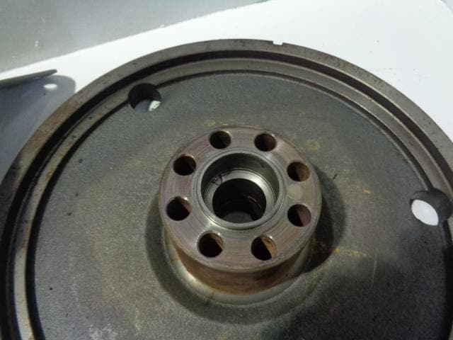 LAND ROVER DISCOVERY 2 TD5 AUTOMATIC RING GEAR AND FLEX PLATE WITH BOLTS