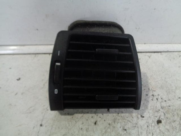 2000 - 2006 BMW X5 E53 OFF SIDE FRONT DASHBOARD VIR VENT IN BLACK