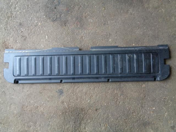 01-06 BMW X5 E53 LOWER TAILGATE INTERIOR BOOT TRIM PANEL HINGE COVER 51498402197