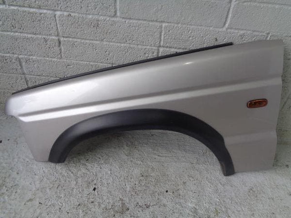 Discovery 2 Front Wing Near Side Blenheim Silver 642 Land Rover (98-02) #P24049