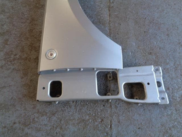 02 - 06  RANGE ROVER L322 TD6 / V8 OFF SIDE WING IN ZEMBESI SILVER - 737 #2906