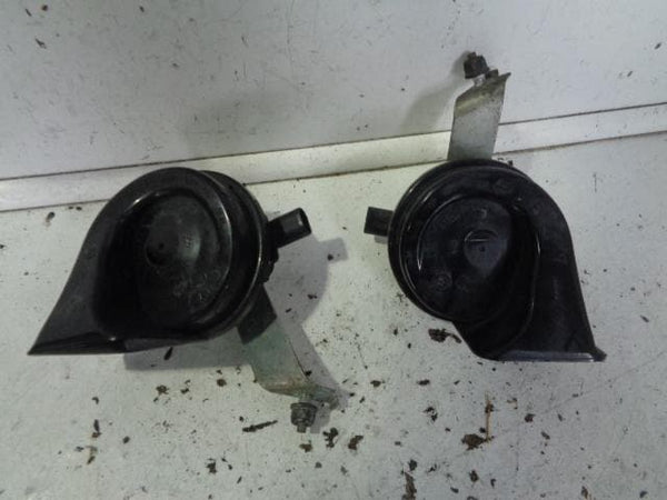 2006 - 2010 BMW X3 E83 PAIR OF TWO TONE HORNS