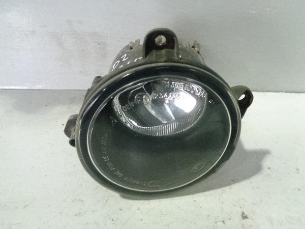 Front Fog Light Discovery 2 Facelift Near Side XBJ000090 Land Rover (2002-2004)