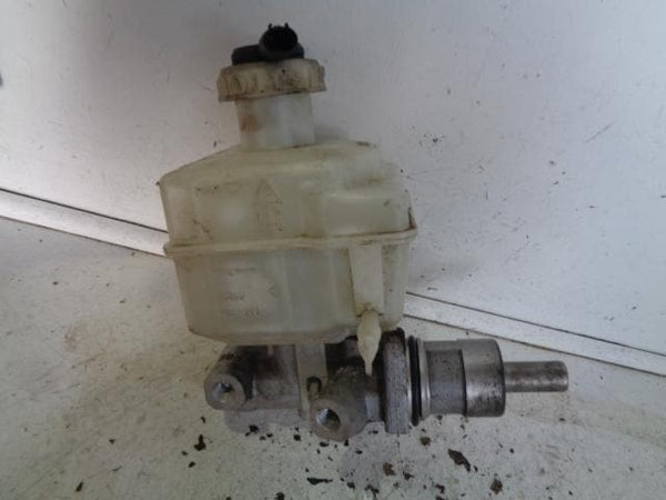 2004 - 2009 LAND ROVER DISCOVERY 3 BRAKE MASTER CYLINDER AND BOTTLE #1007