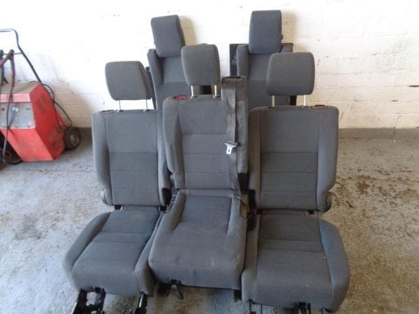 2004 - 2009 LAND ROVER DISCOVERY 3 REAR GREY CLOTH SEATS MIDDLE & 3RD ROW #1507