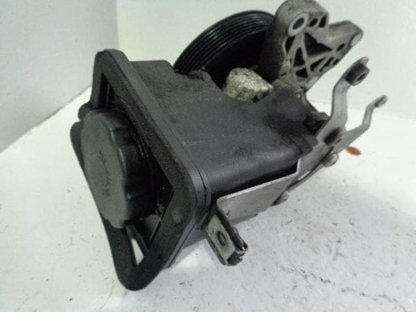 BMW X5 Power Steering Pump and Reservoir PAS 3.0d E53 2001 to 2006 B05032