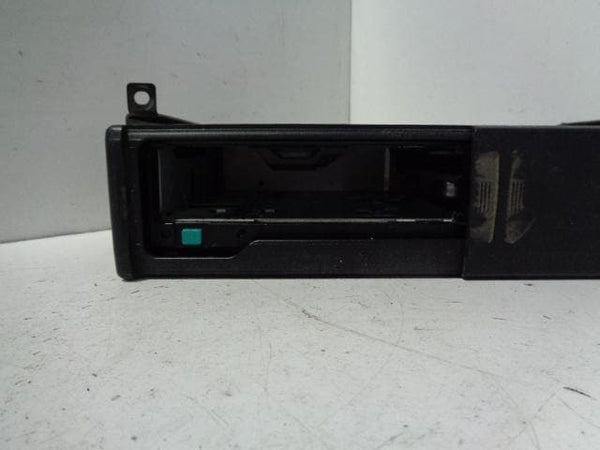 Land Rover Freelander 1 CD Multi Changer 6 Disc No Mag XQE1000110PMA #08118
