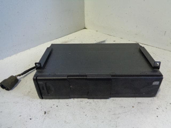 Freelander 1 CD Changer Alpine 6 Disc Land Rover XQE000110PMA