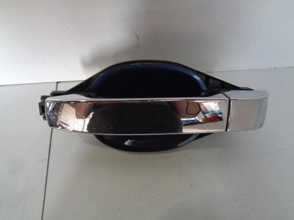 02 - 06 RANGE ROVER L322 NEAR SIDE REAR EXTERNAL DOOR HANDLE CHROME & BLUE #2007